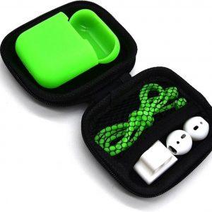 5 in 1 set met siliconen case, koord, horlogehouder, earhooks en opbergetui | geschikt voor Airpods | groen