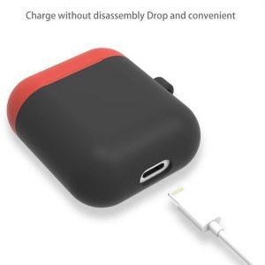 Mobigear Karabijnhaak Siliconen Cover Zwart / Rood voor Apple AirPods