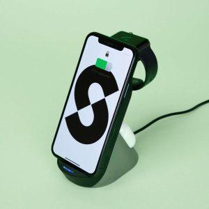 ®Seizoenstunter - 3 in 1 - Draadloze Oplader - Inclusief Qualcomm Quickcharge 3.0 adapter - Geschikt voor o.a. Apple iPhone, Samsung Galaxy, iWatch 2 / 3 / 4 / 5 + Apple Airpods 2 / Pro - Zwart