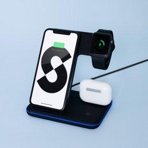 ®Seizoenstunter - 3 in 1 - Draadloze Oplader - Inclusief Qualcomm Quickcharge 3.0 adapter - Geschikt voor o.a. Apple iPhone, Samsung Galaxy, iWatch 2 / 3 / 4 / 5 / 6 + Apple Airpods 1 / 2 / Pro - Zwart
