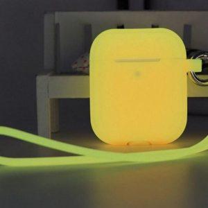 Shieldcase Case geschikt voor Airpods case glow in the dark - geel